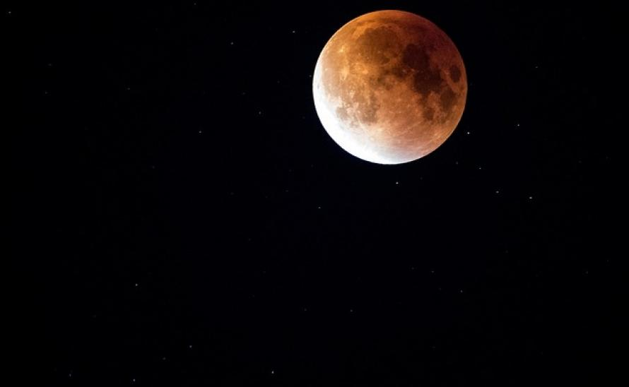 lunar-eclipse-962804_640.jpg